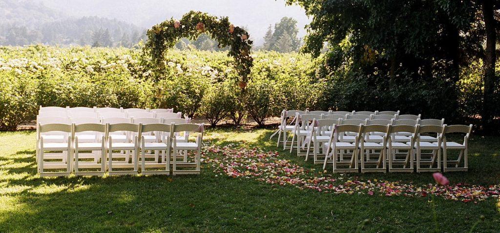 harvest inn wedding vine rose lawn